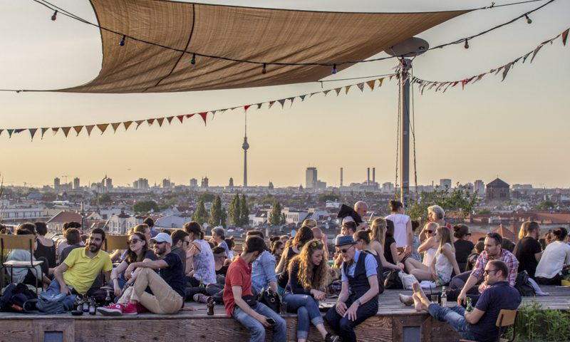 klunkerkranich the coolest roof top bar in berlin go easy berlin. Black Bedroom Furniture Sets. Home Design Ideas