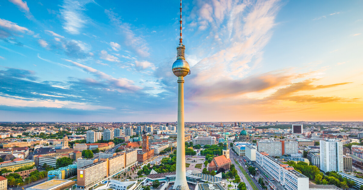 fernsehturm the tv tower of berlin go easy berlin. Black Bedroom Furniture Sets. Home Design Ideas